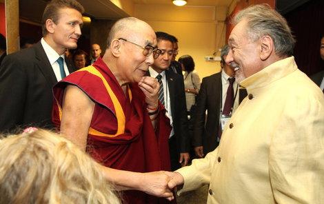 Dalajláma prý zná Gotta z fotografie, kterou mu před lety ukazoval prezident Václav Havel (†75).