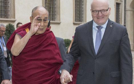 Herman nepřistoupil na vydírání a s dalajlámou se sešel.