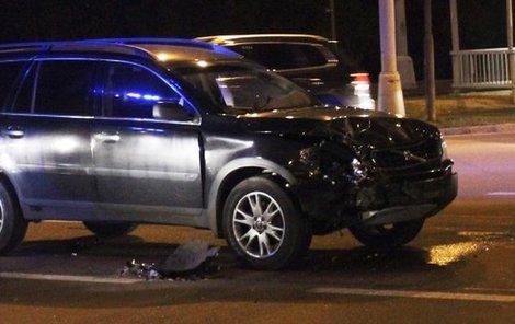 Terénní volvo, které narazilo do VW Lupo.