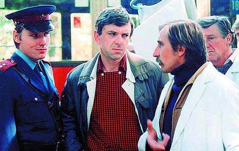 Jaromír Hanzlík jako seriálový doktor Jandera.