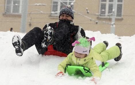 Vytáhněte boby, začínají sněhové radovánky.