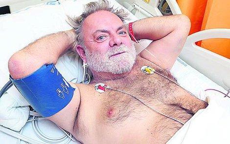 Před fotografem dělal Upír v nemocnici hrdinu.