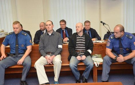 Jaroslav Havlík (vlevo) a hlava gangu, bývalý policista Roman Dolíhal.