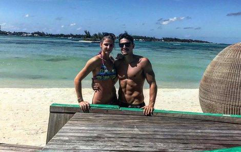 Karolína a Michal jsou mladí a krásní.