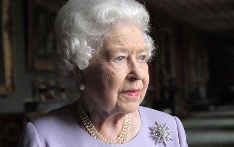 Královna Alžběta truchlí. Zemřela její kamarádka Margaret Rhodesová.
