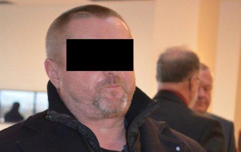 Pod vedením Pavla Č. se mělo v likérce v Chvalčově na Kroměřížsku vyrobit pět milionů litrů nelegálního alkoholu.