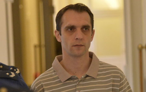David V. od začátku tvrdí, že vraždy nespáchal.