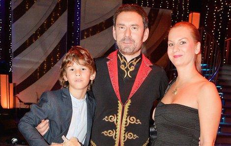 Každý taneční večer se Ridi chlubil svou rodinou, která ho neustále podporovala.