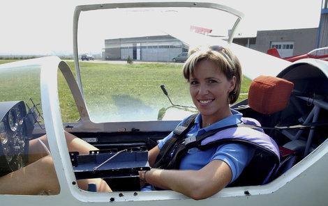 Už jako malá seděla v letadle a byla z toho láska na celý život.