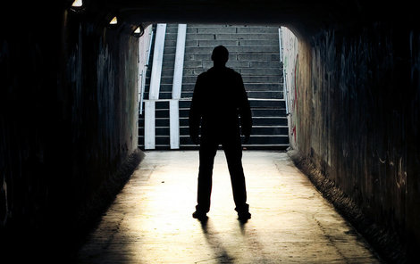 Ulice není překvapivě místem, kde dochází ke znásilnění nejčastěji.