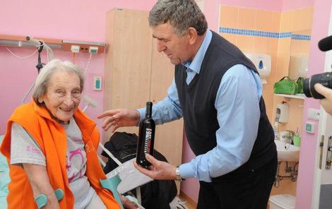 Danu Zátopkovou kamarád Bugár svým darem potěšil.