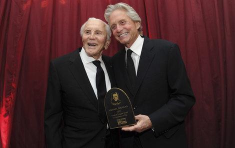 Kirk Douglas se synem Michaelem.