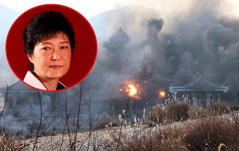 Zničení kopie sídla jihokorejské prezidentky Kima pobavilo.