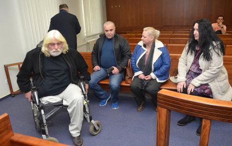 Zleva František Šedivý, Vasil Petryna, Olga Petryna a Jitka Michalčíková.