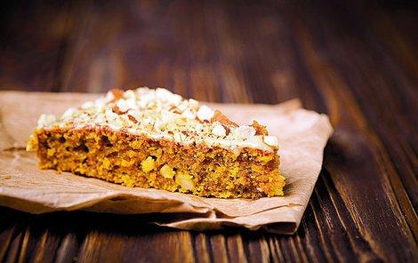 Ořechovo-medový koláč se k vánočnímu času skvěle hodí.