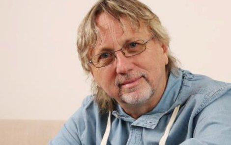 2016. Dalibor Janda má za sebou 40 let kariéry a jeho písničky pořád frčí.