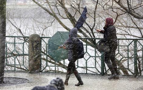 Silný vítr dnes potrápí Česko.