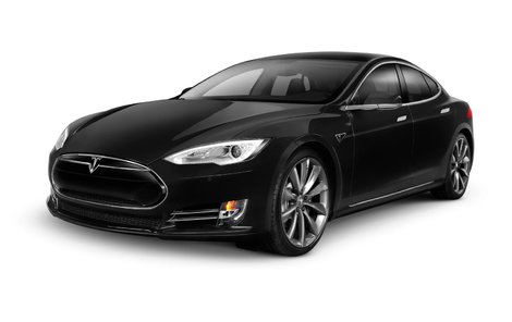 Tesla S začala brzdit ještě dřív,  než před ní došlo k bouračce!