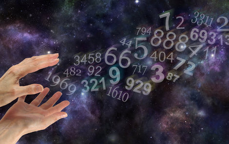 Co na vás chystají čísla a planety na příštích 12 měsíců?