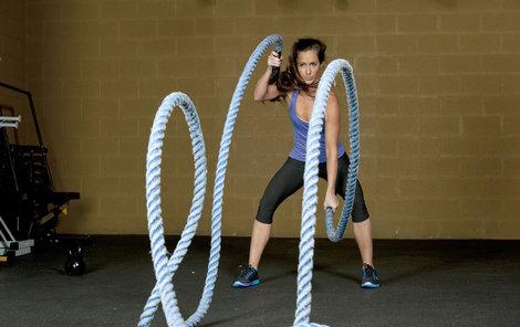 Cvičení s lany je novým sportovním hitem.