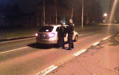 Opilý řidič se snažil policistům uniknout. Marně...