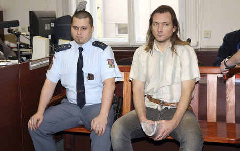 Jakub Drholec se u soudu přiznal.