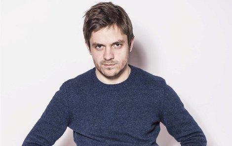 Jiří Mádl se věnuje režisérské práci.