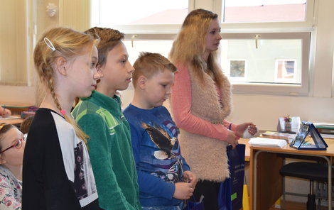Kamarádi (zleva) Nela (9), Adam (9), Petr (9) a Sabina (12).