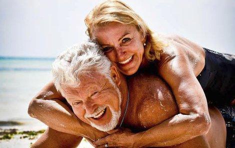 Silvestr trávila zamilovaná dvojice u moře.