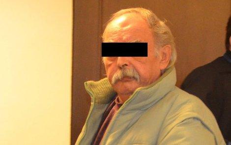 Luděk G. odmítl, že by jednal v úmyslu zničit dům a manželku usmrtit.