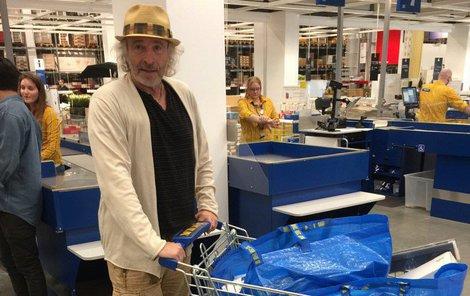 Thomas Gottschalk zavítal jako běžný smrtelník do obchodu IKEA.