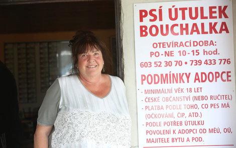Zvířecí útulek Bouchalka na Kladensku provozuje Evženie Sychrovská už dvě desítky let: Pejsek je láska na první pohled!