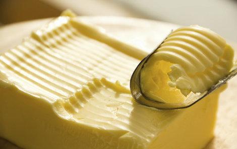 Kuchař kradl máslo.