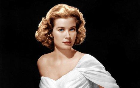 35 let od smrti Grace Kelly (†52). Albert II.: Že máma bourala, mi řekli u snídaně...