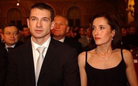 Renata Dlouhá obětovala svou kariéru své velké lásce Pavlu Kukovi.