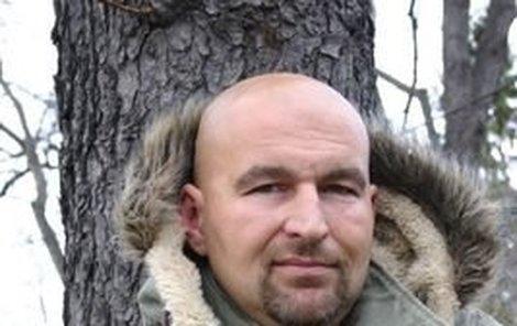 Inženýr Moravec alias Lou Fanánek Hagen přiznává, že přestal pít pivo, protože se po něm tloustne.