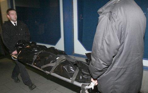 Pohřební služba odvezal obě těla. (ilustrační foto)