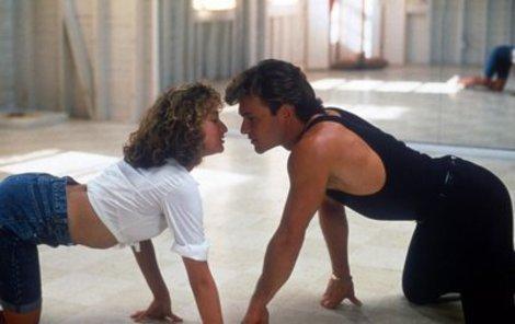 Patrick Swayze a Jennifer Grey v roce 1987 ve filmu.