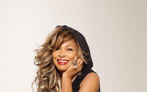 Tina Turner plaší ptáky...