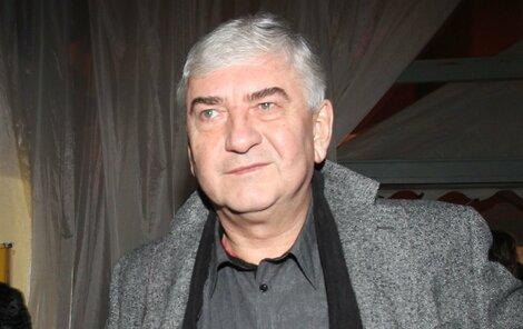 Miroslav Donutil se cítil dotčený, že ČT zrušila jeho sledovanou talk show Trumfy. V ní např. přivítal Václava Moravce.