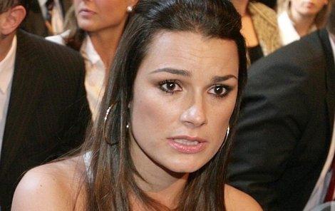 Alena Šeredová se naplno věnuje fotbalovému klubu svého manžela.