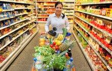 VELKÝ PŘEHLED: Jak budou mít o svátcích otevřeno supermarkety