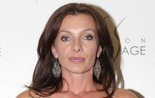 Sexbomba Alice Bendová (42): Až po krk v…