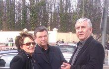 Pohřeb Bronislava Poloczka: Loučila se Bohdalová, Donutil i Postránecký