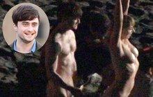 Harry Potter ukázal »kouzelnickou hůlku«! A nahá byla i jeho kamarádka!