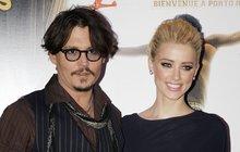 Zamilovaný Johnny Depp: Jeho nová kočka  je bisexuálka!