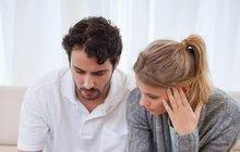 Když půjčky přerostou přes hlavu: Zbankrotovat, nebo sloučit?
