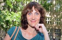 Ester Janečková: Vadí mi, jak mě v časopisech retušují! Nemám tak útlý pas!