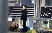 Jan Šťastný s manželkou na nákupech! Co schovávali v obřích taškách?