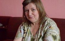 Invalidní důchodkyně (45) je ochotná umřít za Klause! Nebude jíst, dokud ho neočistí!